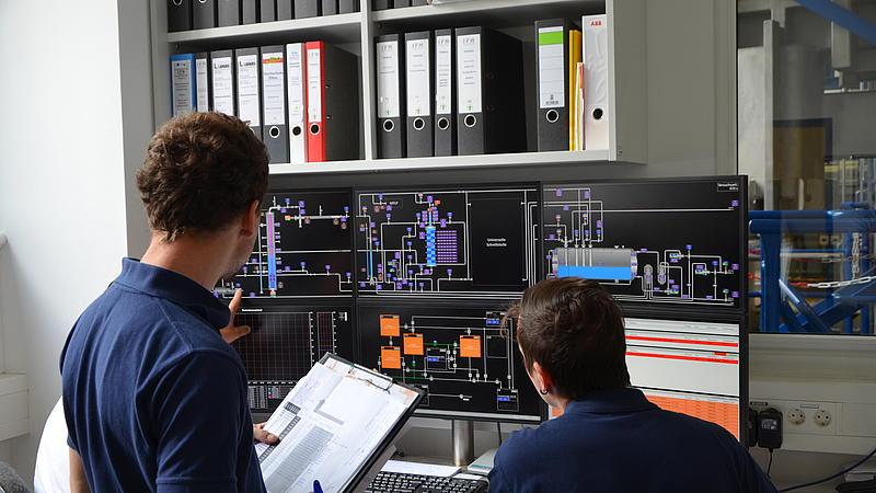 Es fand die Abnahme der Versuchsanlage THERESA durch die zulässige Überwachungsstelle (TÜV-Süd) statt