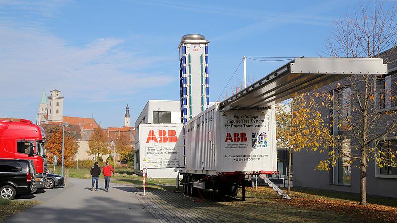 """Die Ausstellung erfolgte im Rahmen des Workshops """"Transformatoren - Betrieb und Diagnose"""" seitens der ABB AG"""