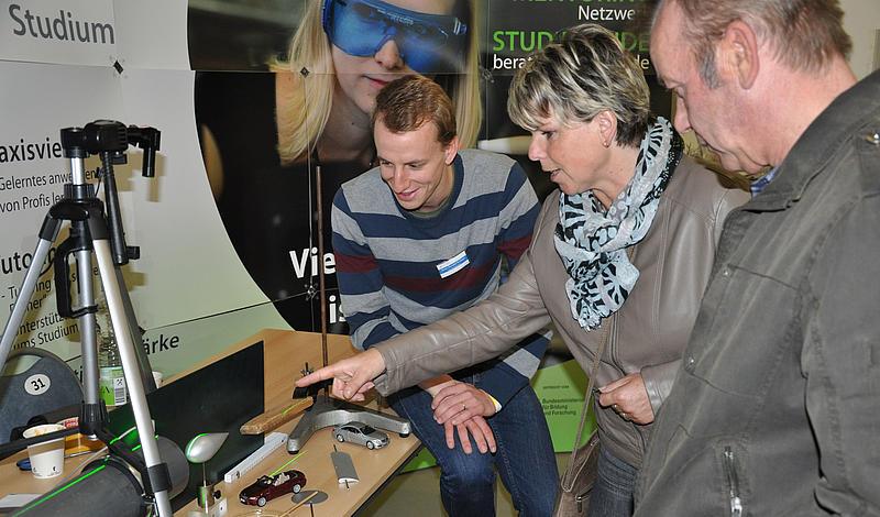 Viele Besucher konnten am Stand der HSZG viel Interessantes erfahren.