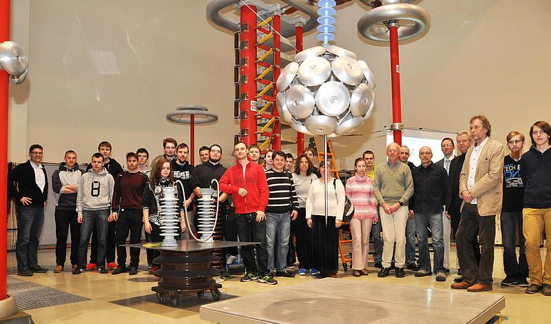Vorbereitungen für die Teilnehmer der 21. Internationale Elektrotechnik-Olympiade an der HSZG